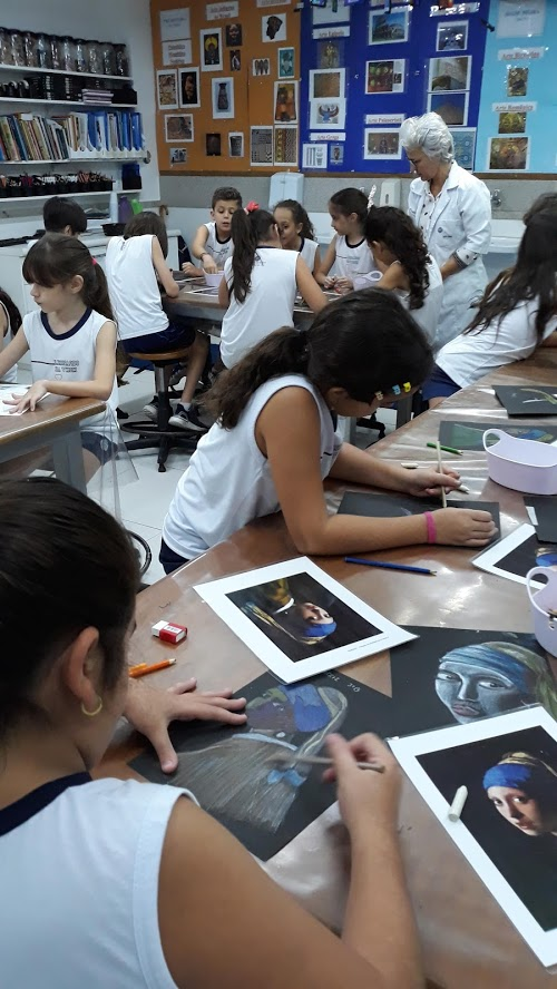 Aula de artes do Fundamental I
