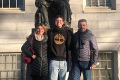 29/01: Alunos e professores em visita ao campus da Universidade de Harvard, tendo como guia o nosso querido Sempre-Aluno Pedro Duarte Moreira, estudante da Universidade.