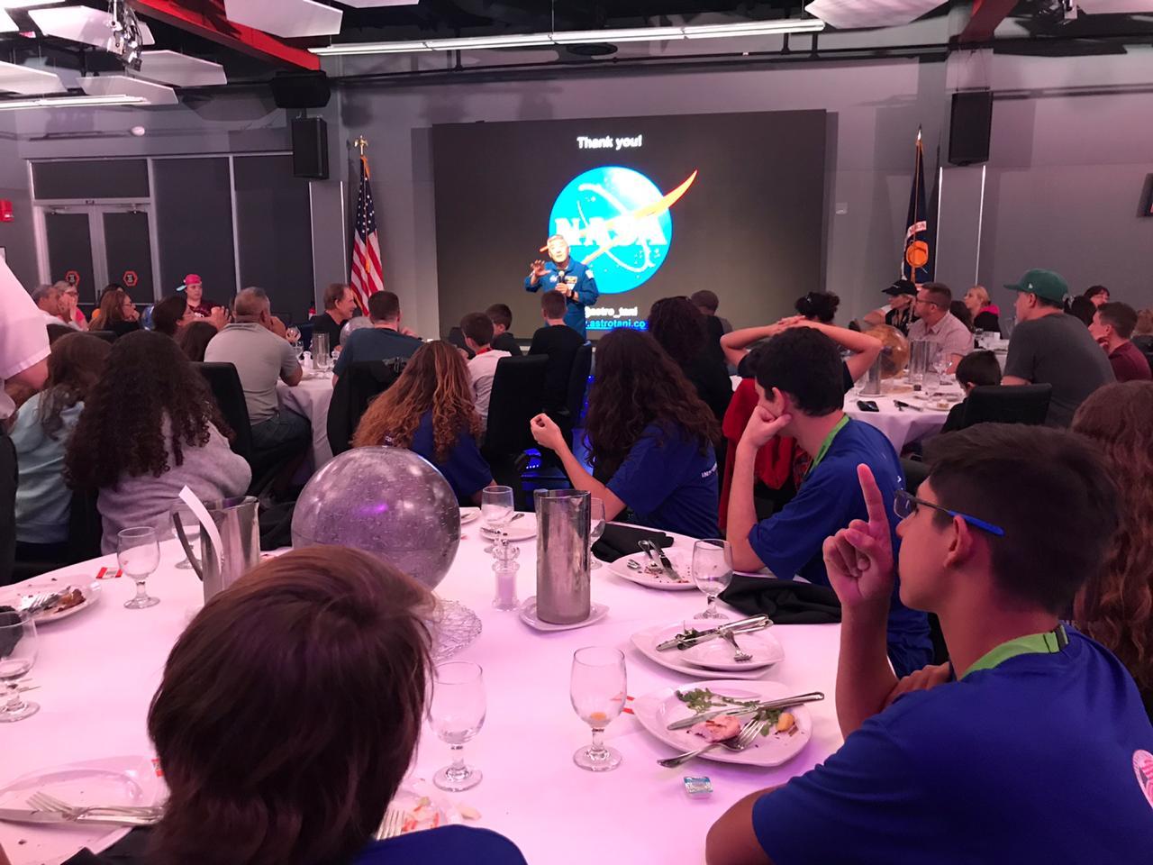 01/11: Almoço com um astronauta